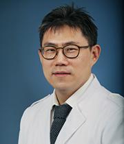 Профессор Ким Джонг Сок